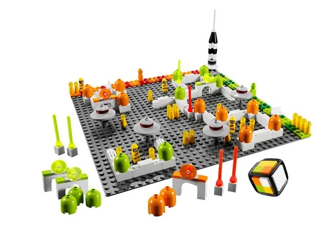 LEGO Lunar Command - Components